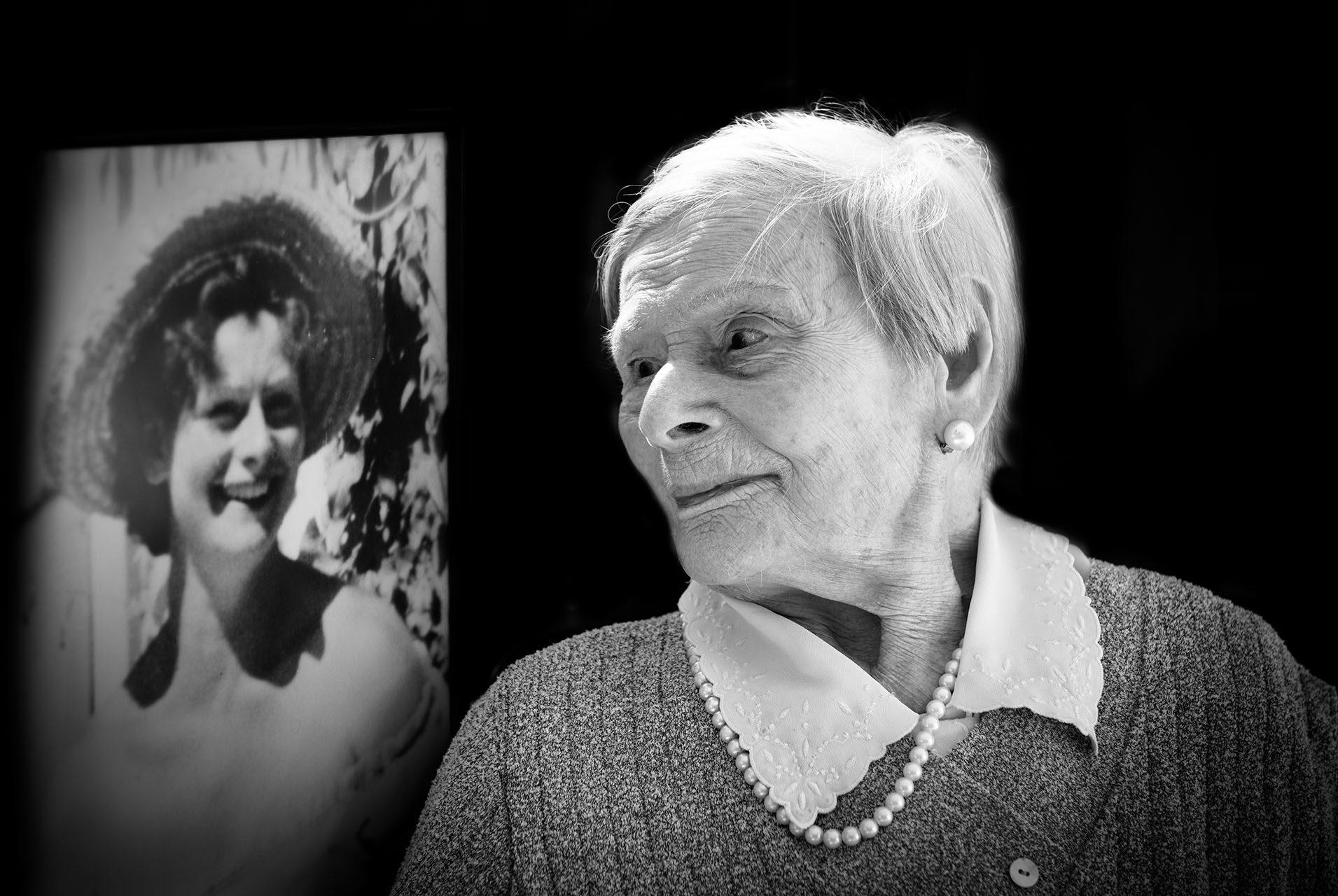 maya-angelsen-photographe-portraits-des-centenaires-et-des-roses-mairie-l-hay-les-roses-ile-de-france-tabanou
