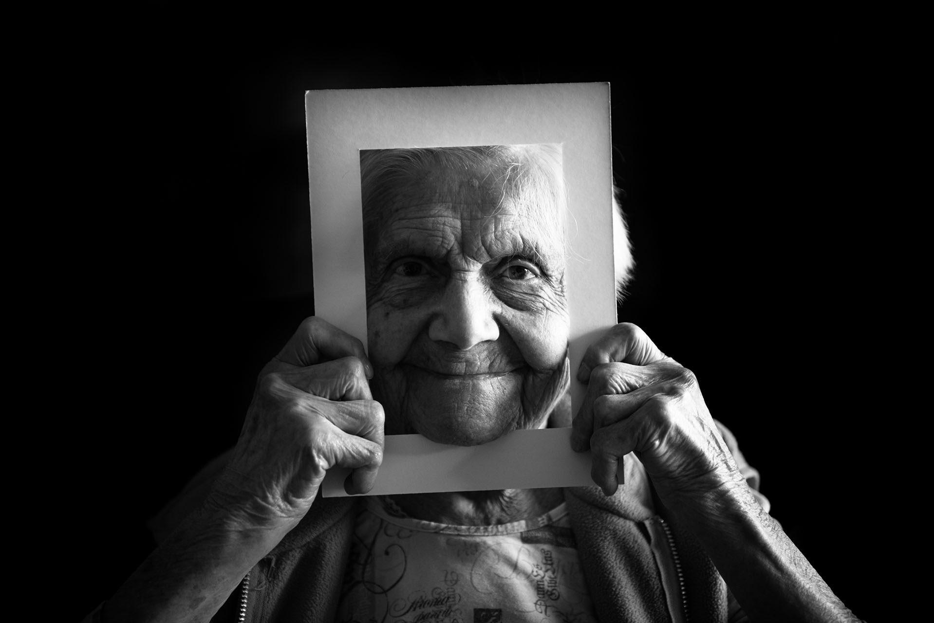 Photographe-ile-de-france-val-de-marne-residence-jean-23-l-hay-les-roses-sophie-centenaires