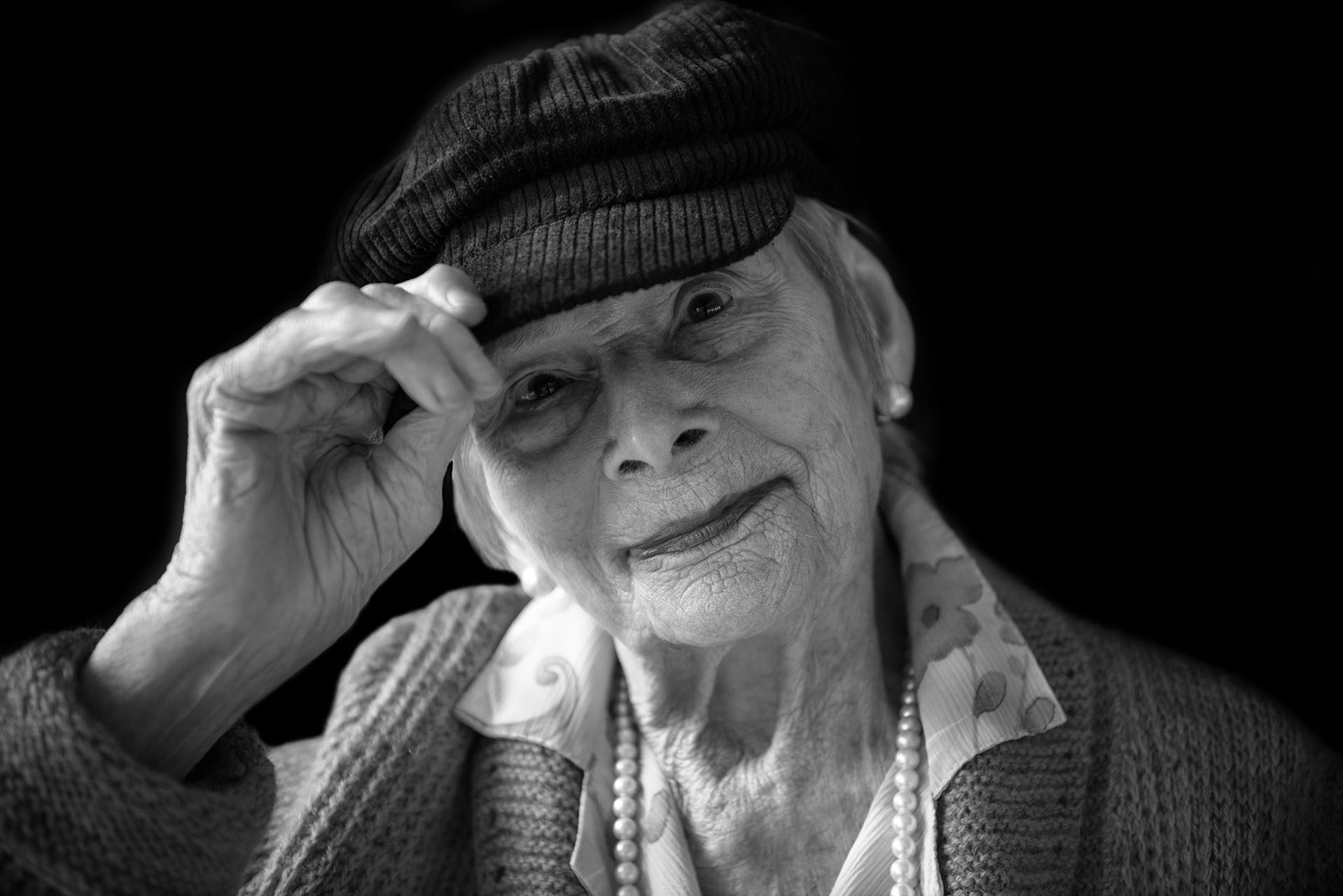 maya-angelsen-photographe-portraits-des-centenaires-et-des-roses-mairie-l-hay-les-roses-ile-de-france-marguerite