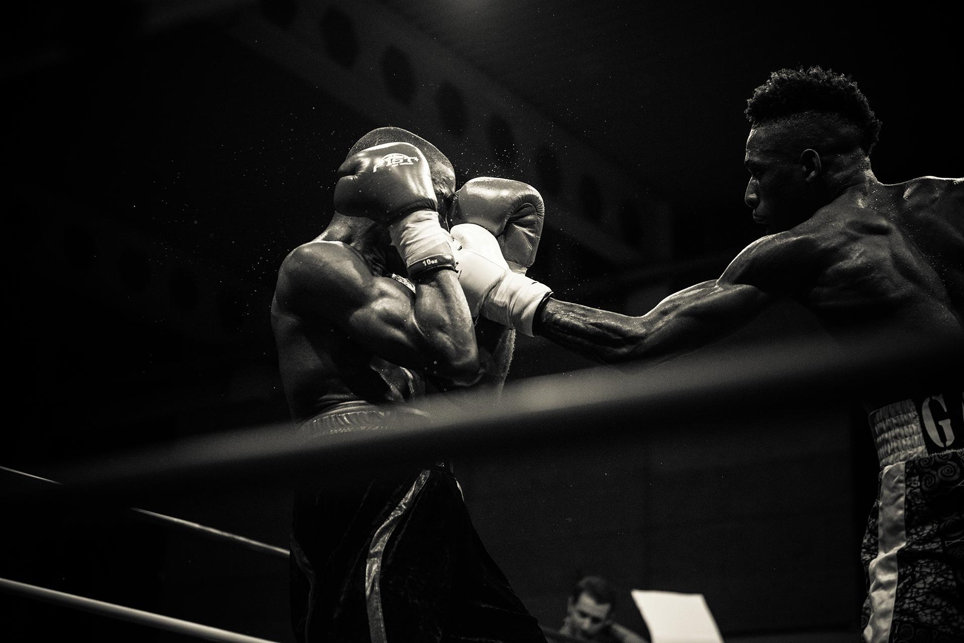 photographe-de-boxe-championnat-de-france-fontenay-sous-bois-maya-angelsen