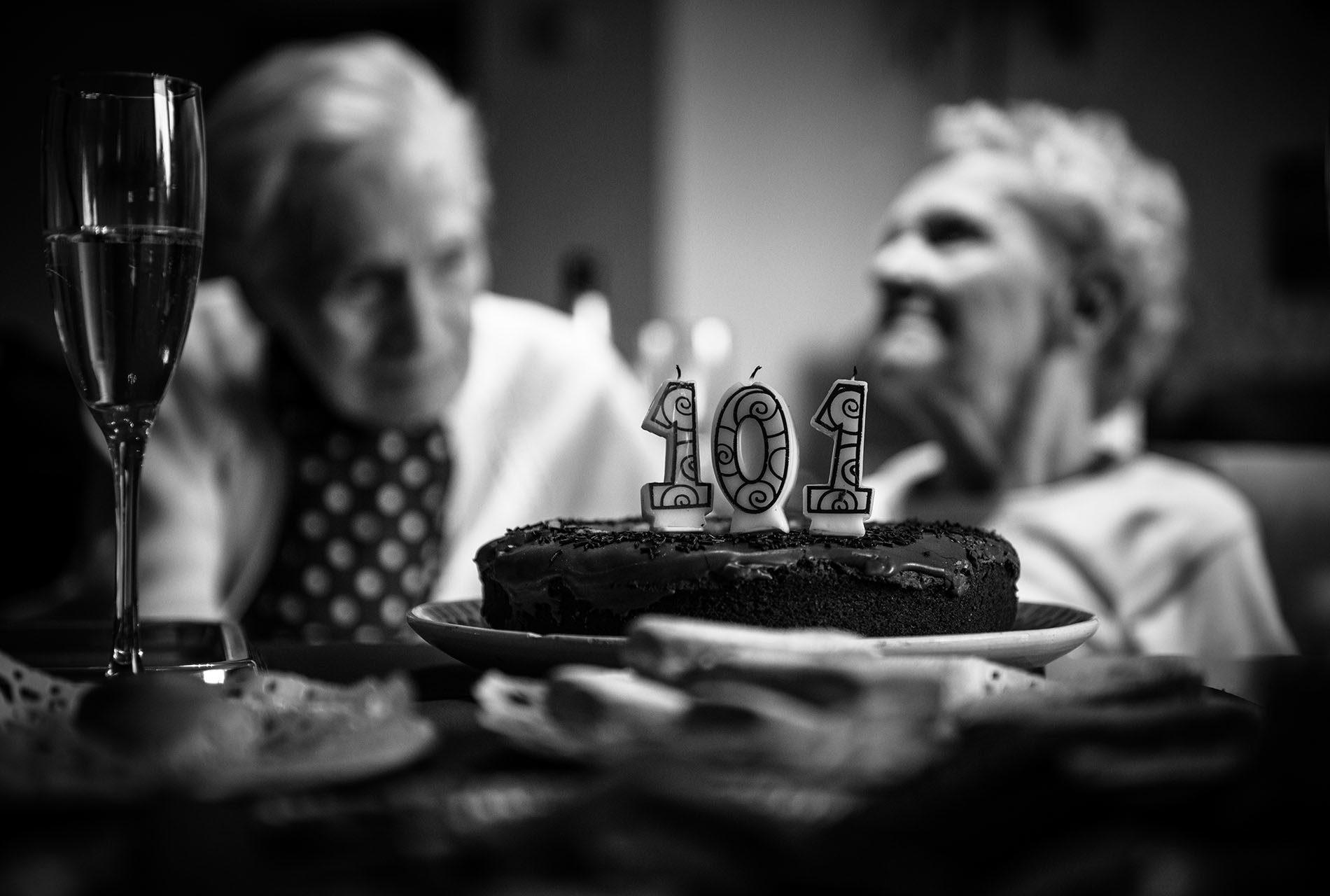 photographe-ile-de-france-projet-centenaires-et-des-roses-val-de-marne-portraits-maya-angelsen