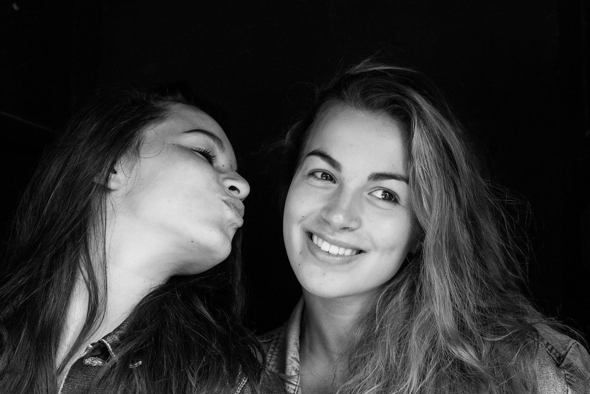photographe-portraits-famille-maya-angelsen-ile-de-france-paris-laurine-justine