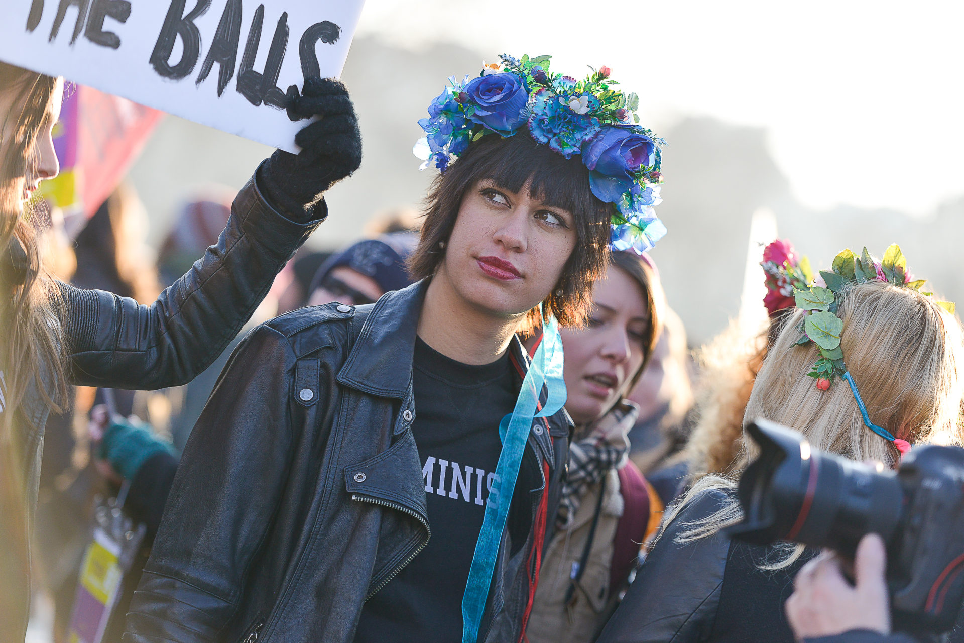 photo-femen-march-women-2017-paris