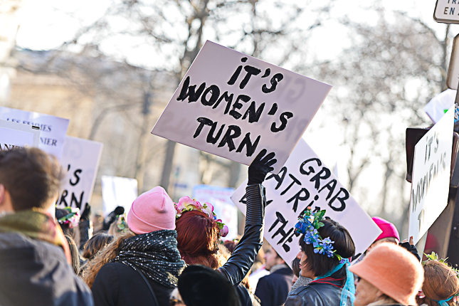photo-slogan-march-women-2017-paris