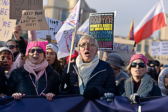 photo-women-march-paris-femmes-solidaires-sabine