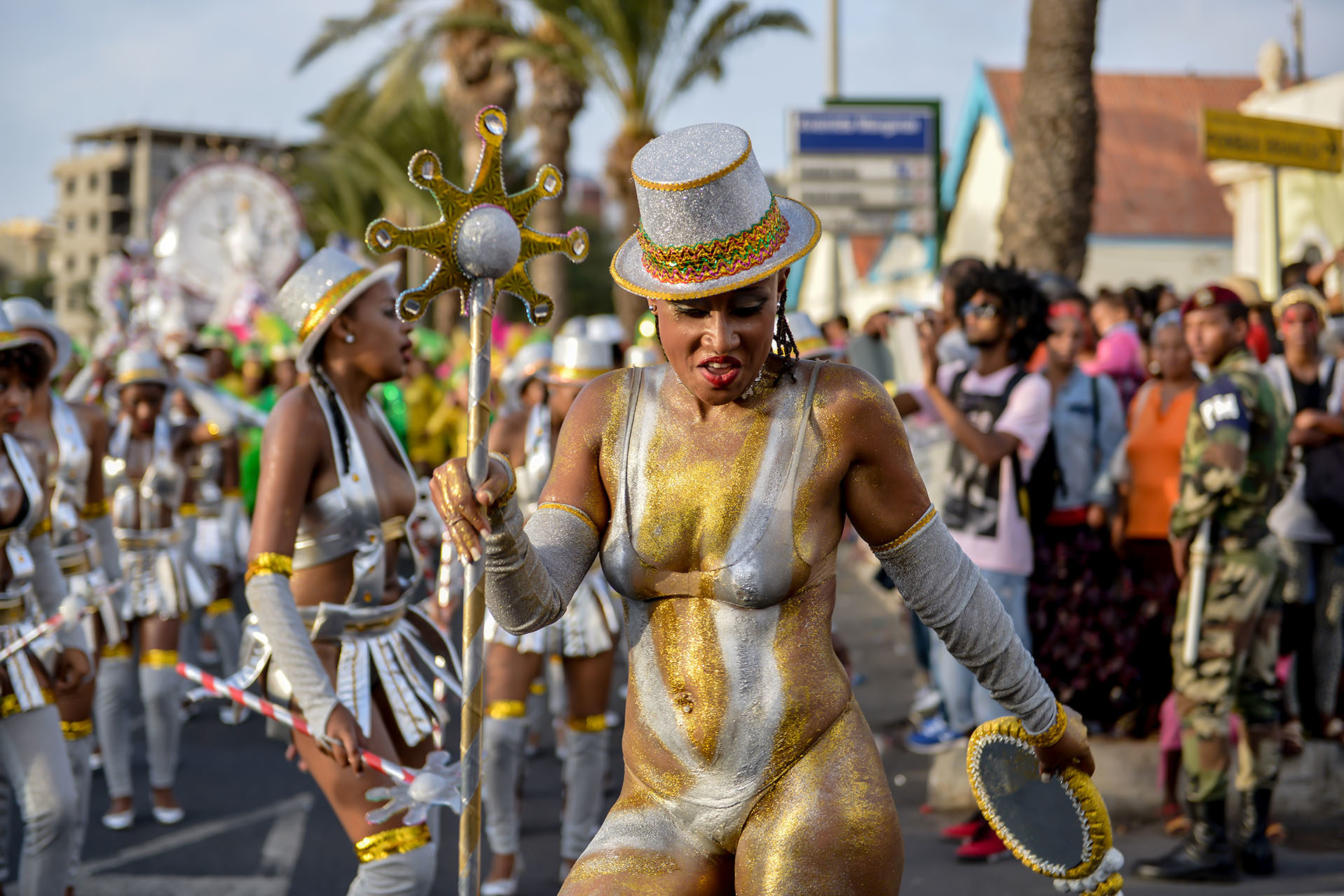 photographe-travel-style-and-life-maya-angelsen-evenementiel-ile-de-france-paris-carnaval-mindelo-cap-vert