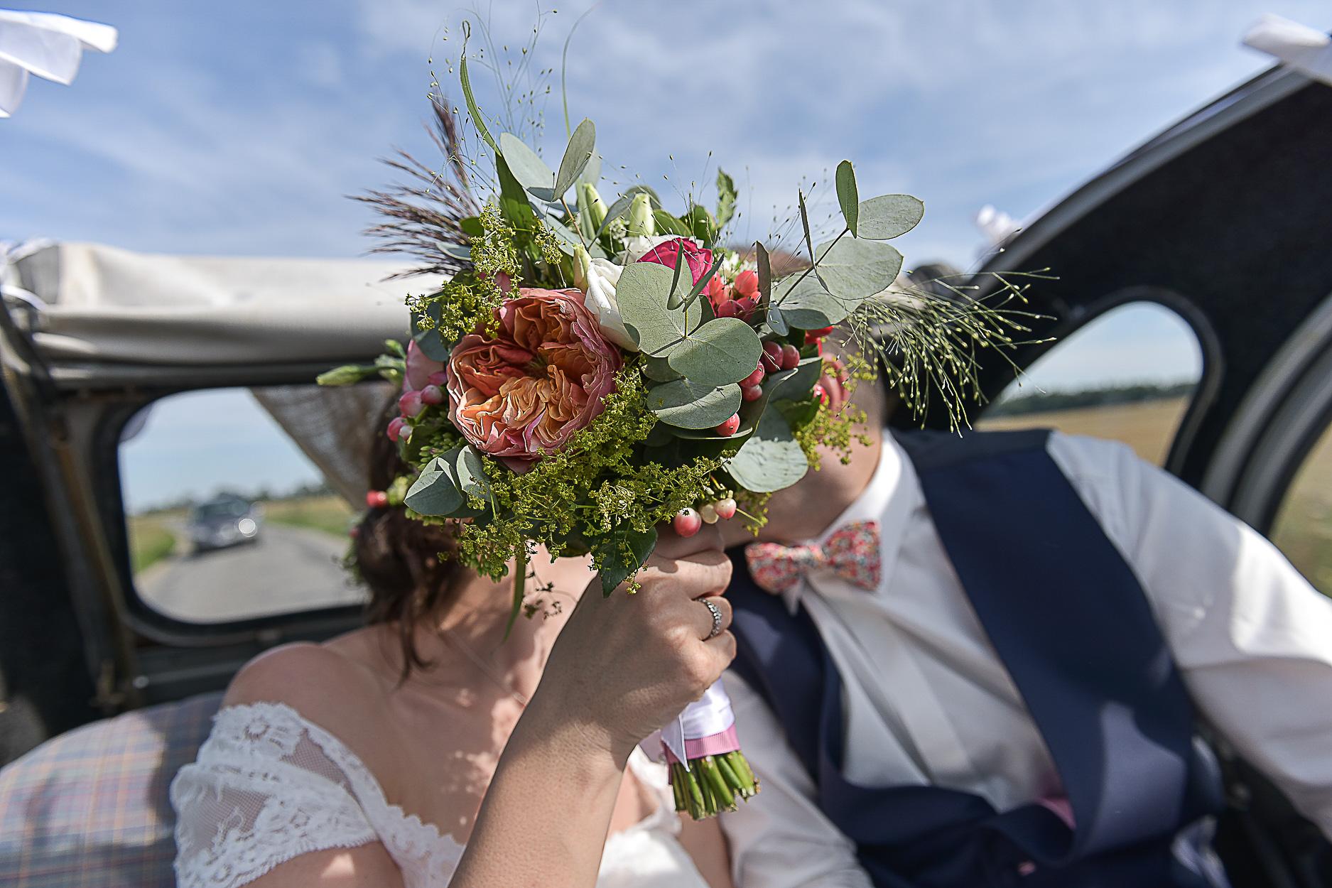 photographe-mariage-voiture-ancienne-david-sonia