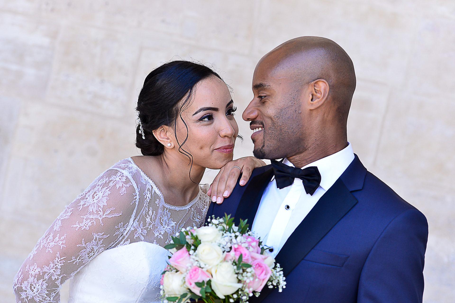 photographe-mariage-portraits-des-maries-paris-louvre