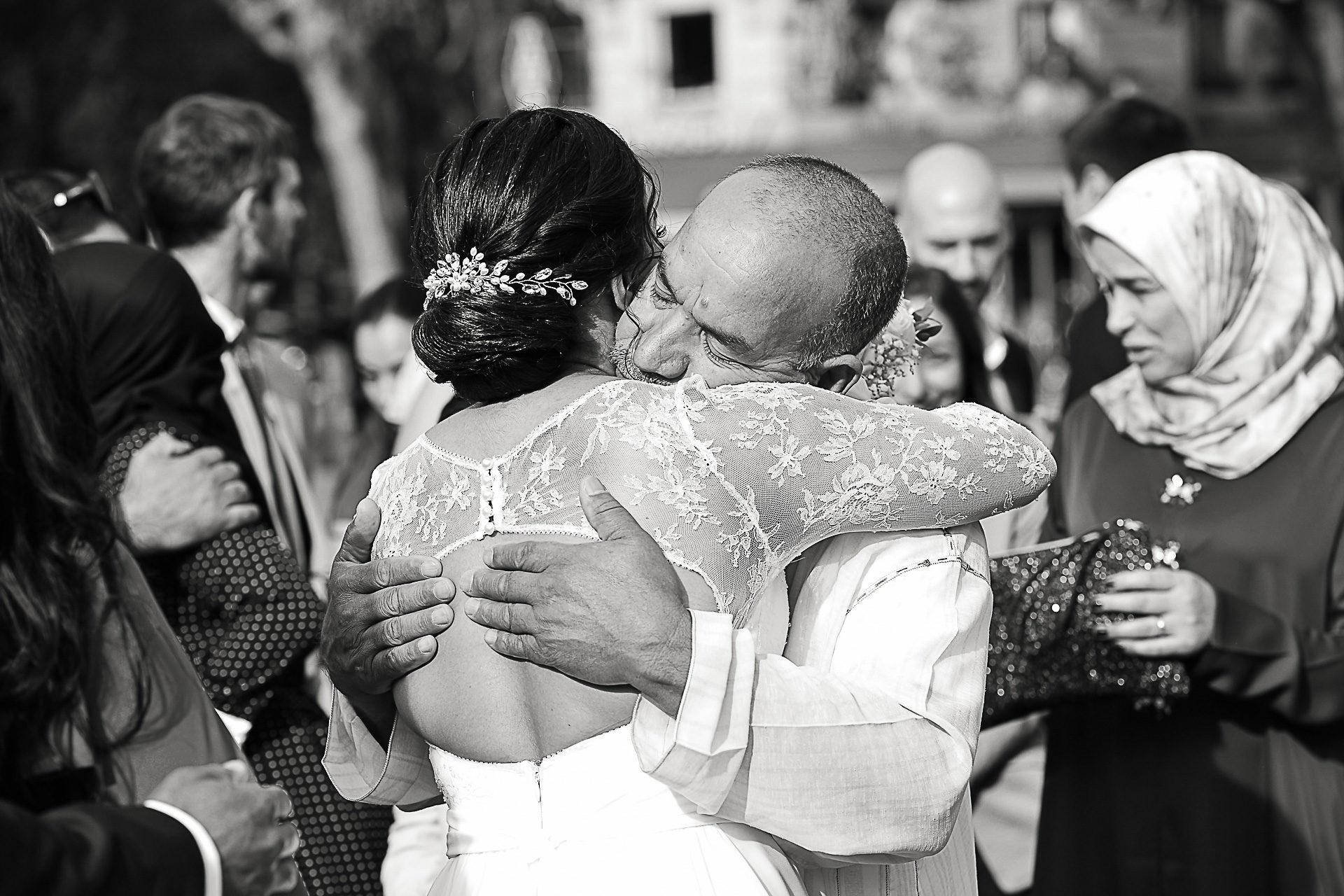 photographe-mariage-reportage-photos-mariee-et-son-pere