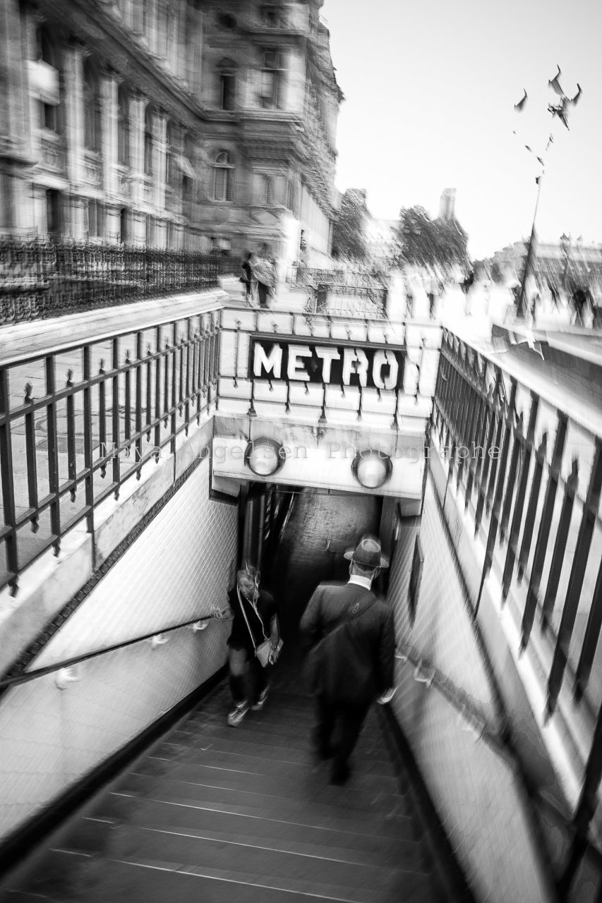 Photograhe-streetphoto-Le-metro-Maya-Angelsen