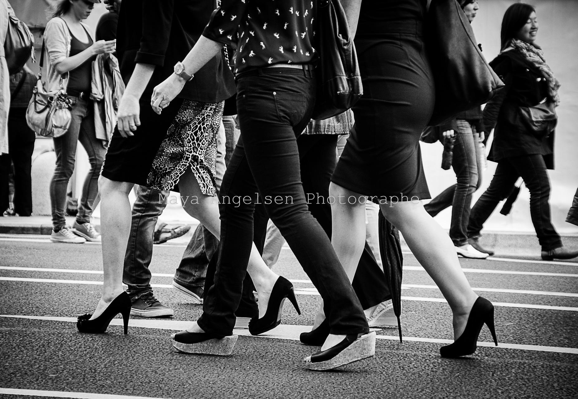 Photographe-Streetphoto-Maya-Angelsen-En-marche