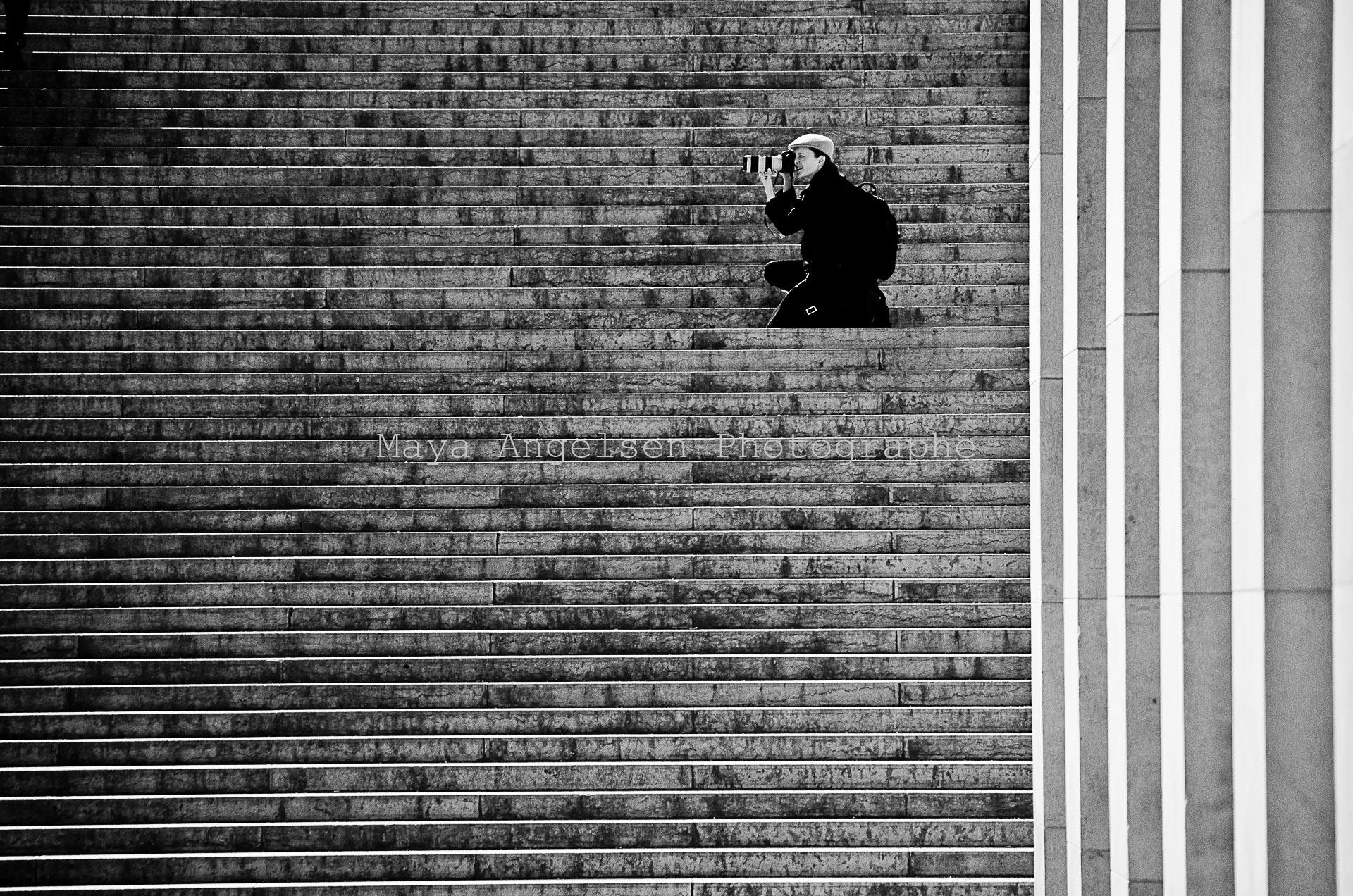 Photographe-streetphoto-Lignes-de-mire-Maya-Angelsen